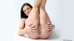 Pure Mature Kendra Lust in Picture Perfect 9