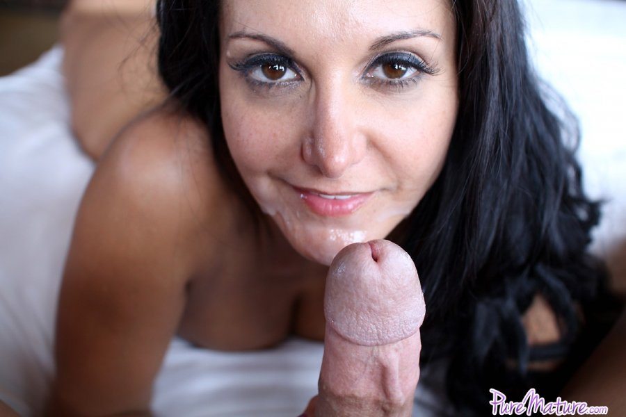 Pure Mature Ava Addams in Bubbling Over 13