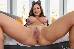 Pure Mature Kendra Lust in Make her Purr 1