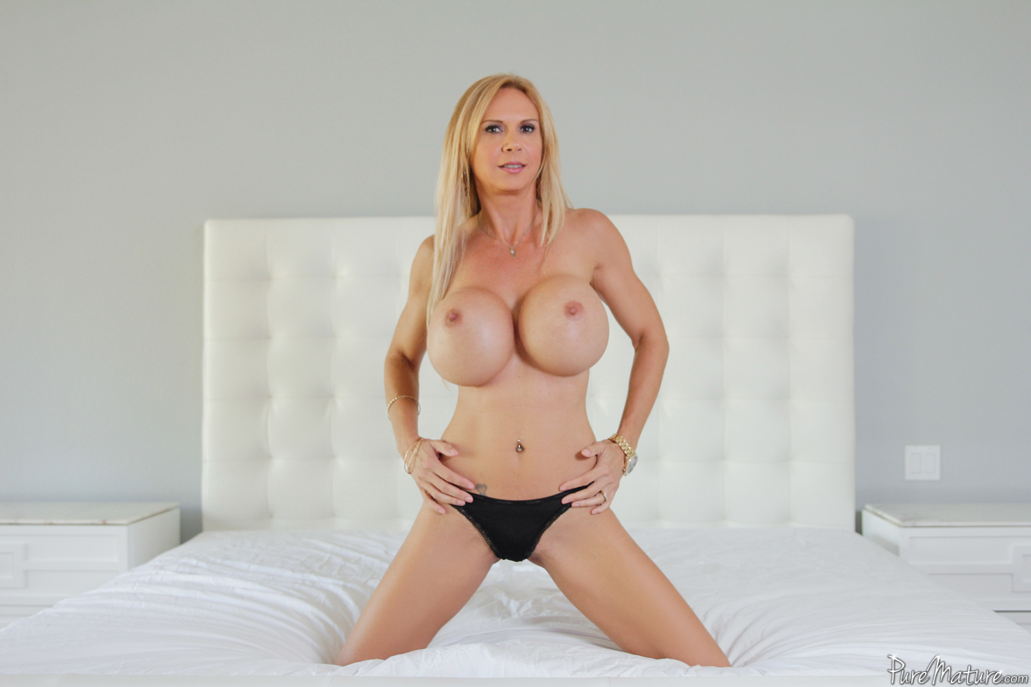 Mature knickers tube-5035